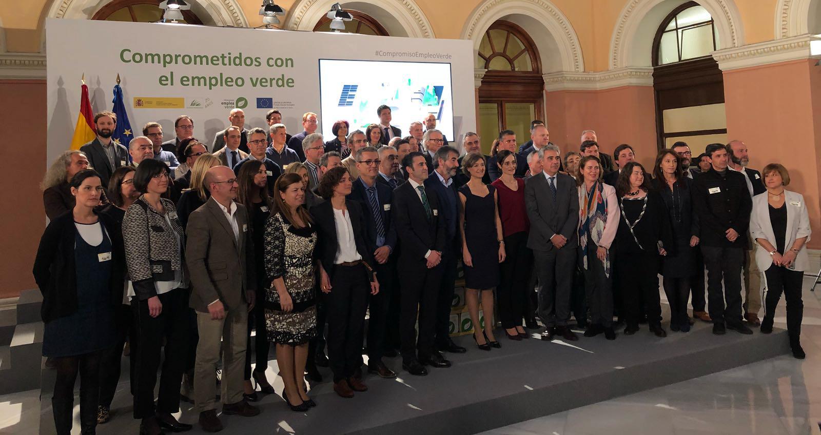 """Foto final del evento """"Comprometidos con el Empleo Verde"""""""